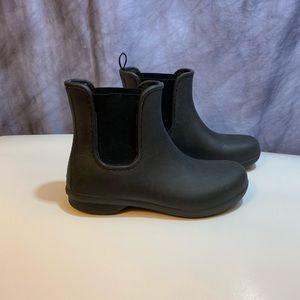 Crocs Black Ankle Rain Boots 6